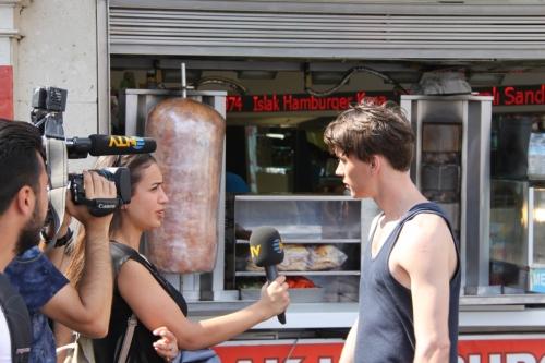 Esnaf, Darbeyi Turistlere Afişlerle Anlattı