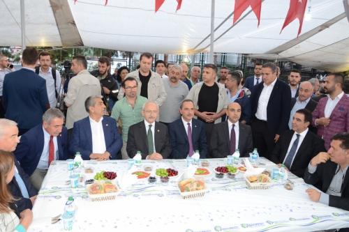 Kemal Kılıçdaroğlu, Pazarcı Esnafıyla İftarda Buluştu