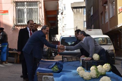 Oda Başkanı Mesut Şengün Sanayi mahallesi perşembe pazarını ziyaret etti.