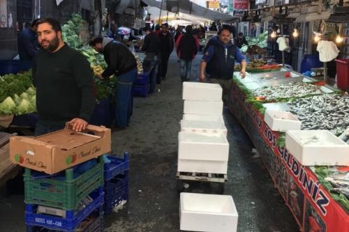 Sanayi Mahallesi perşembe pazarı eski yerinde açılmaya devam edecek.